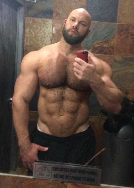 Free hot muscular guy gay photos