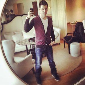 Jordan Knight on Guys With iPhones