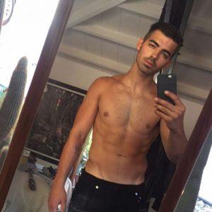 Joe Jonas on Guys With iPhones