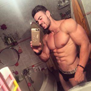Cristian Romero on Guys With iPhones