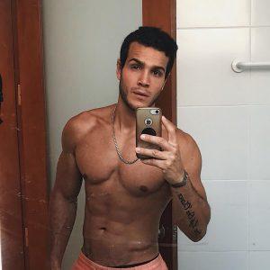 Mario Irivarren on Guys With iPhones